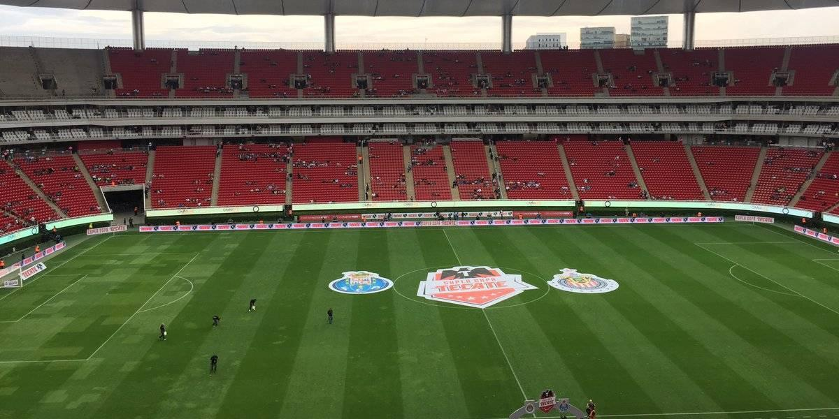 Triste entrada para el partido Chivas vs. Porto