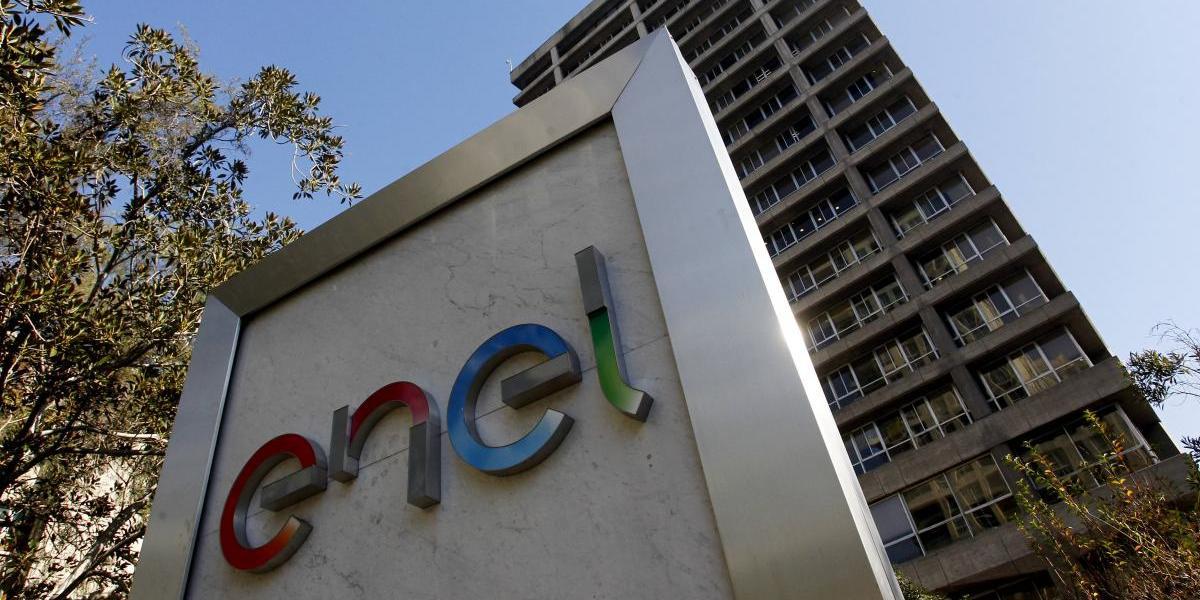 Un  afectado más: gerente de Enel se fue a hotel porque tampoco tenía luz en su casa