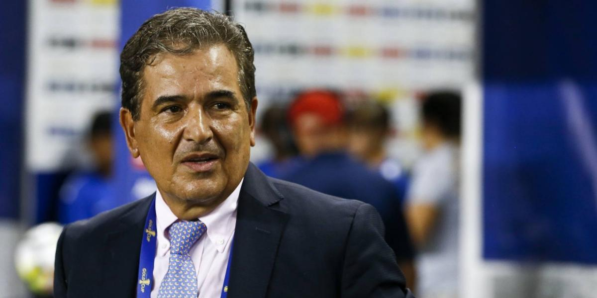 DT de Honduras, preocupado por favoritismo hacia México