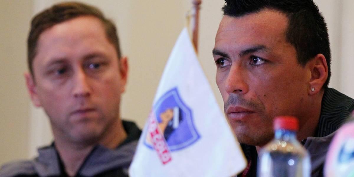"""La molestia de Esteban Paredes: """"Hay una persecución muy grande contra Colo Colo"""""""