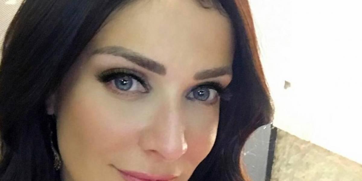Dayanara Torres presume cuerpazo en traje de baño