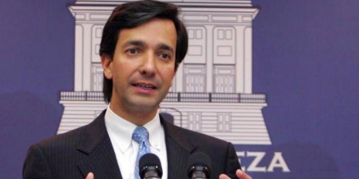 Fortuño dice Rosselló no puede aspirar a la reelección