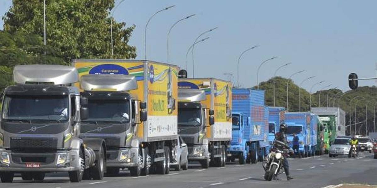 Governador de SP determina que polícia multe caminhões que bloqueiam ruas e estradas
