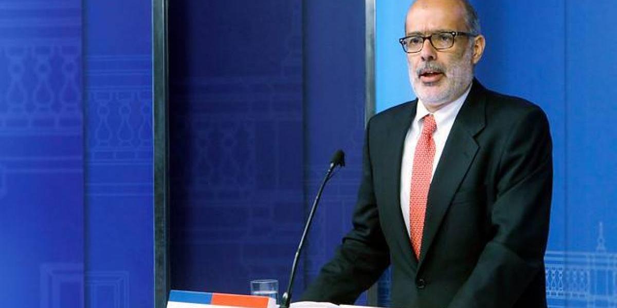 Ministro Valdés prefiere no cambiarle las reglas a empresas públicas