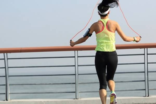sirve brincar la cuerda para bajar de peso