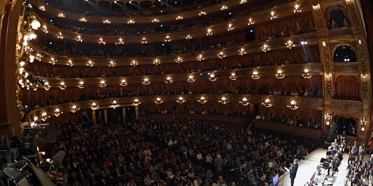 Argentina homenajeó a Violeta Parra en el Teatro Colón