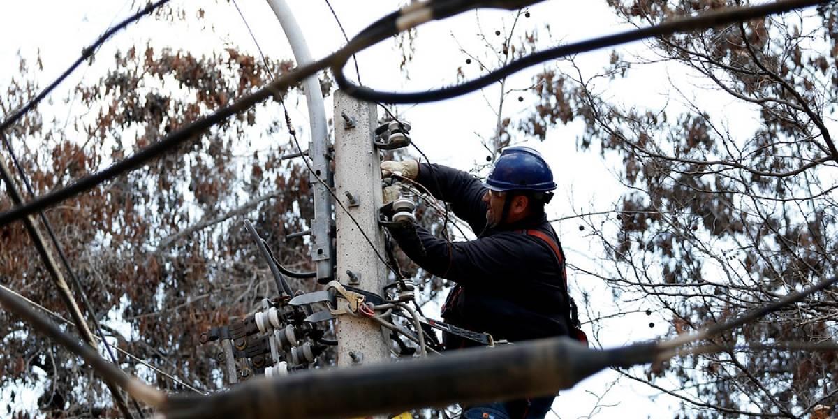 SEC formula cargos contra eléctricas por cortes