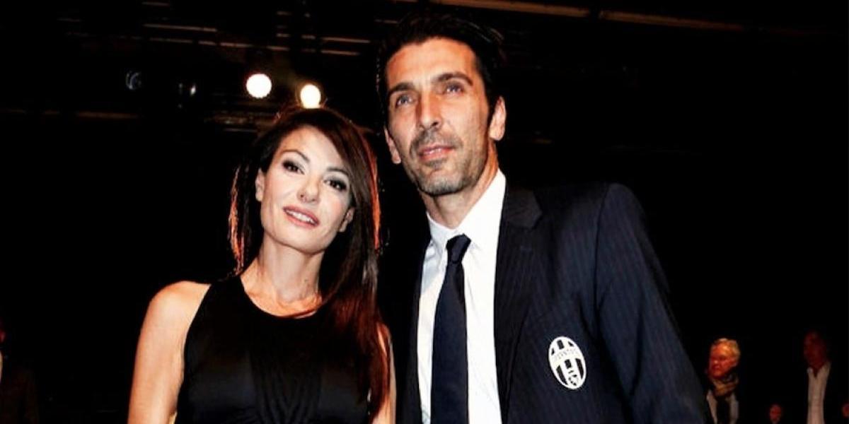 Buffon es captado en candente imagen con la periodista Ilaria D'Amico