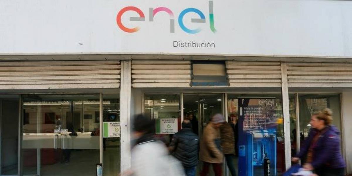 Investigación de la SEC contra Enel por cortes de luz se extenderá por un mes