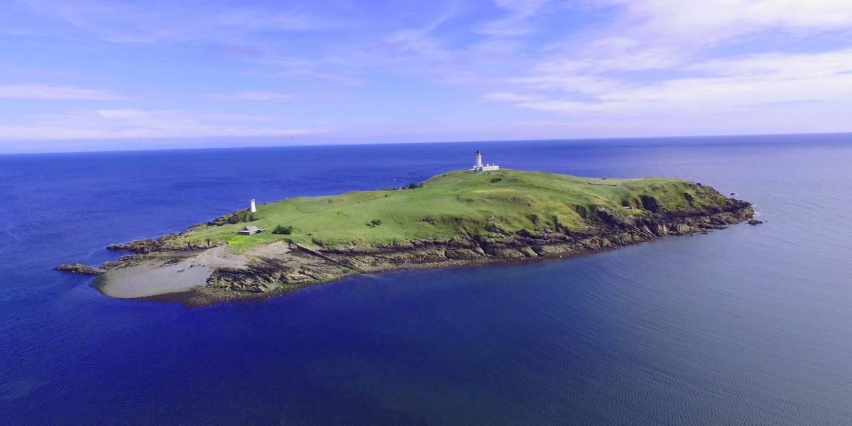El misterio de por qué una isla en Escocia está a la venta por un bajo precio
