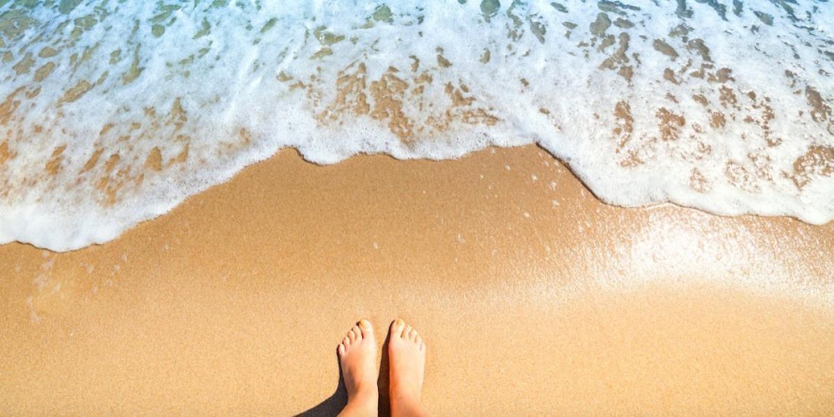 Cinco formas de proteger los pies durante el verano