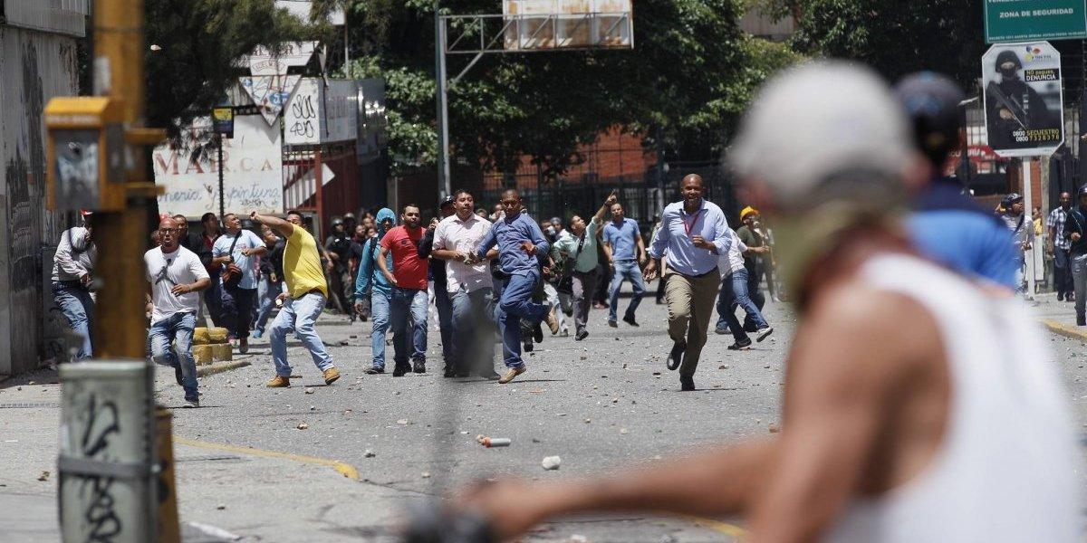 Mueren dos más en protestas en Venezuela