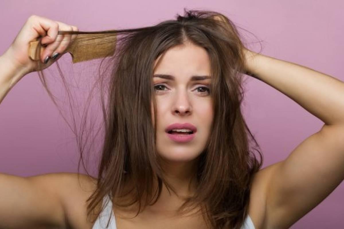 Raiz del pelo pegajosa