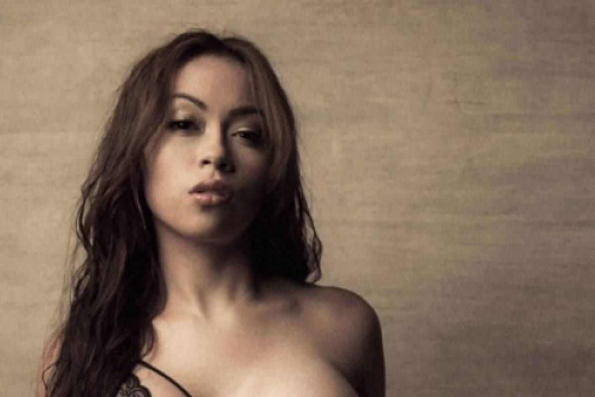 Naked pics of latino woman