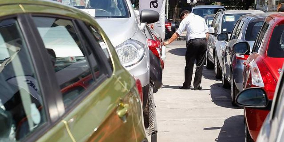 Sobre ruedas y sin tacos: mercado automotor cierra 2017 con la mayor venta de autos nuevos desde 2013