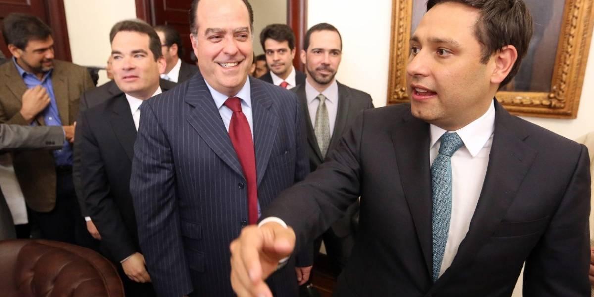 Saliente presidente de Senado colombiano llama a ayudar a pueblo venezolano