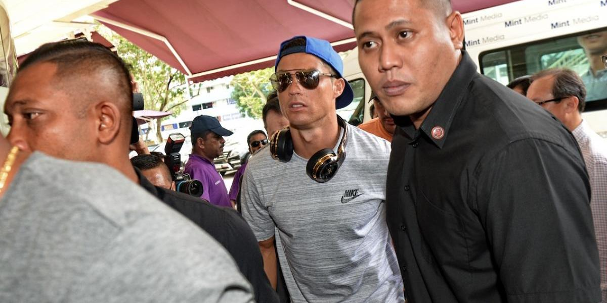 Cristiano comparte una imagen y el motivo de su visita sorpresa a Singapur