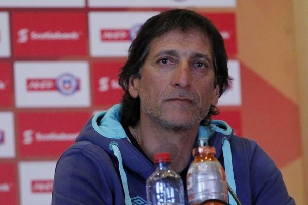 Los tecnicos de Colo Colo y la UC ofrece Rueda de prensa, previo a la Supercopa del futbol chileno