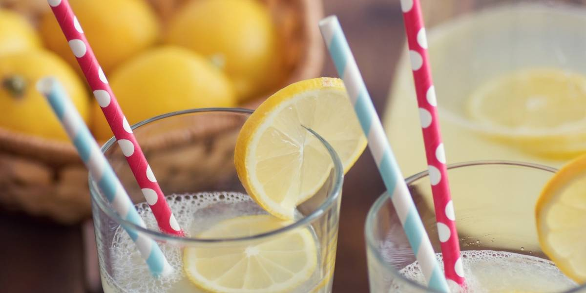 Niña recibe multa por vender limonada