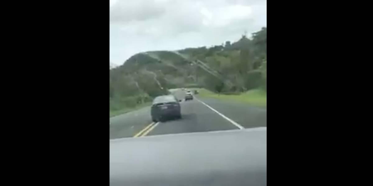 Graban momento en que conductor se descontrola y provoca choque en Corozal