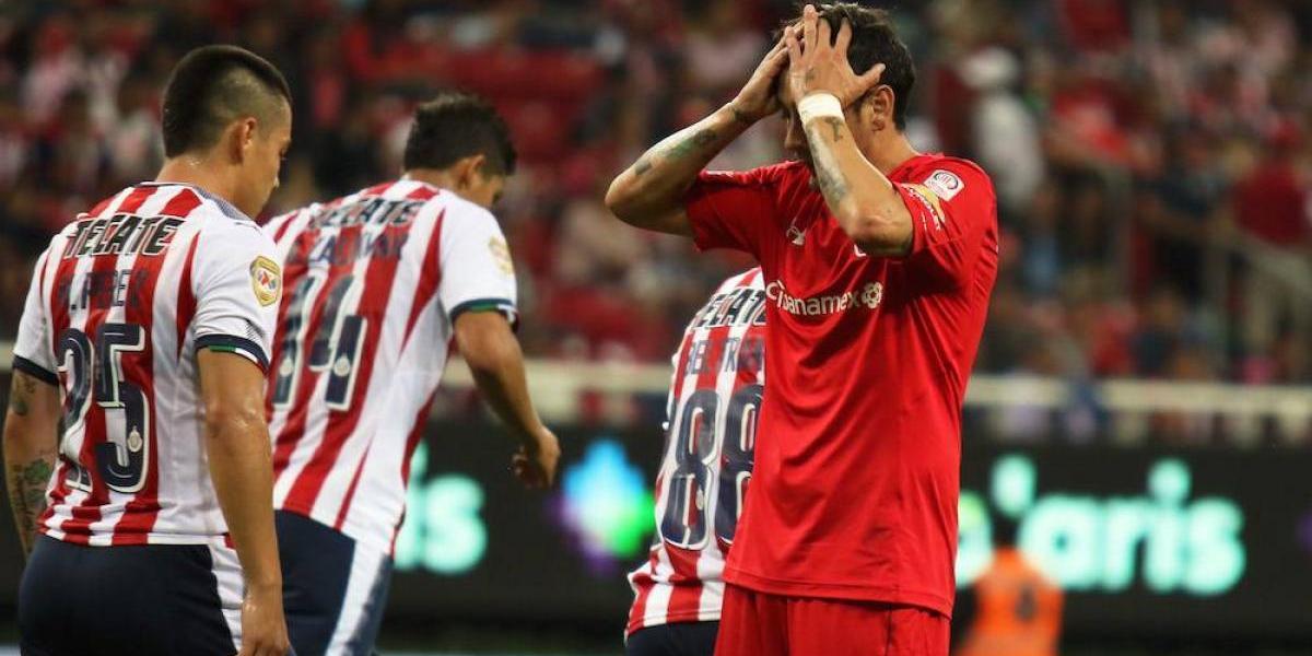 VIDEO: Afición de Guadalajara le grita ¡cerdo! a Rubens Sambueza