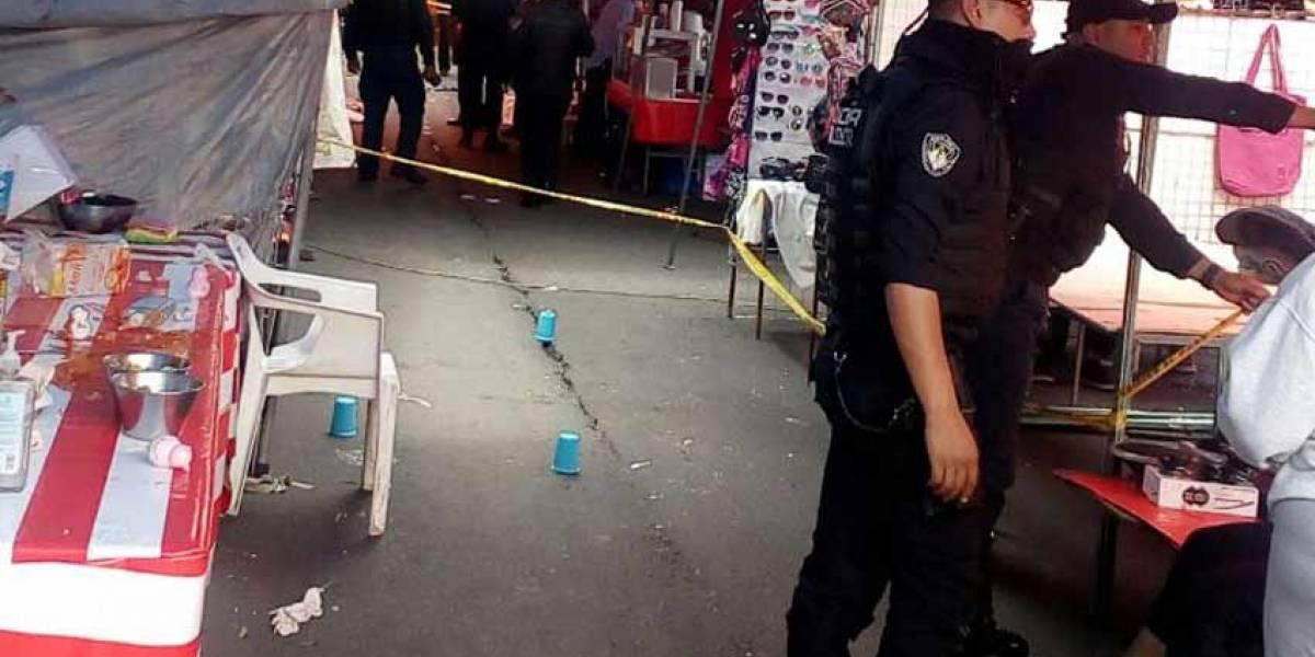 Dos muertos y 10 heridos deja balacera en tianguis de San Juan en Iztapalapa