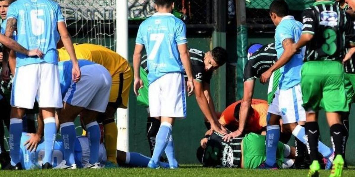 VIDEO: Árbitro salva la vida de un futbolista en pleno partido