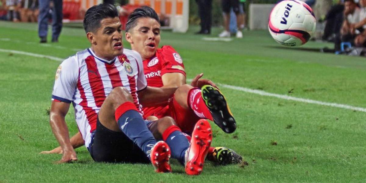 Campeón Chivas arranca nuevo torneo con empate ante Toluca