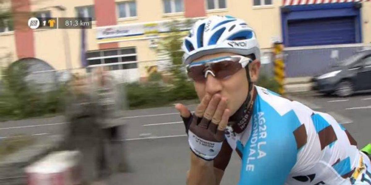 VIDEO: Original propuesta de matrimonio en el Tour de Francia
