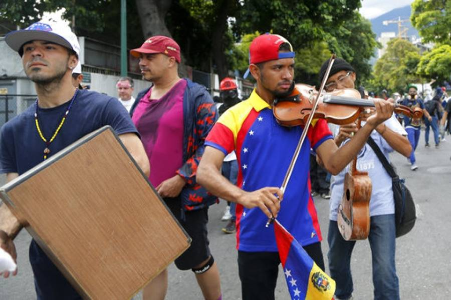 https://www.publimetro.com.mx/mx/noticias/2017/07/23/el-domingo-30-de-julio-venezuela-se-estara-jugando-entre-la-guerra-y-la-paz-maduro.html