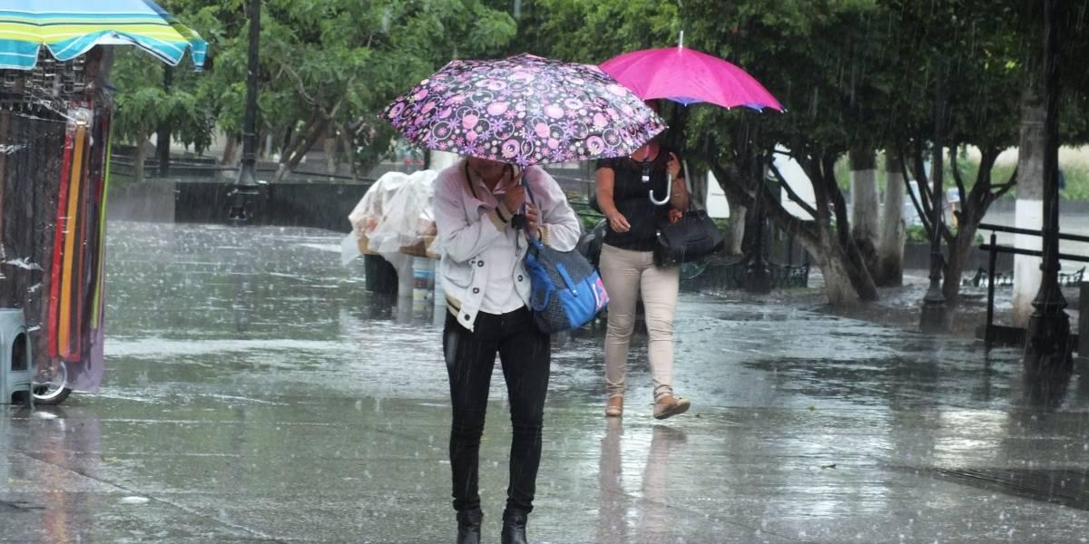 Este domingo seguirán fuertes lluvias en gran parte del país