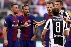 Neymar discute con adversarios