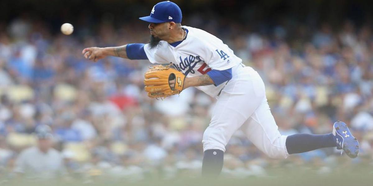 Dodgers envían al mexicano Sergio Romo a los Rays de Tampa Bay