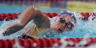 Impone sueca récord mundial en natación