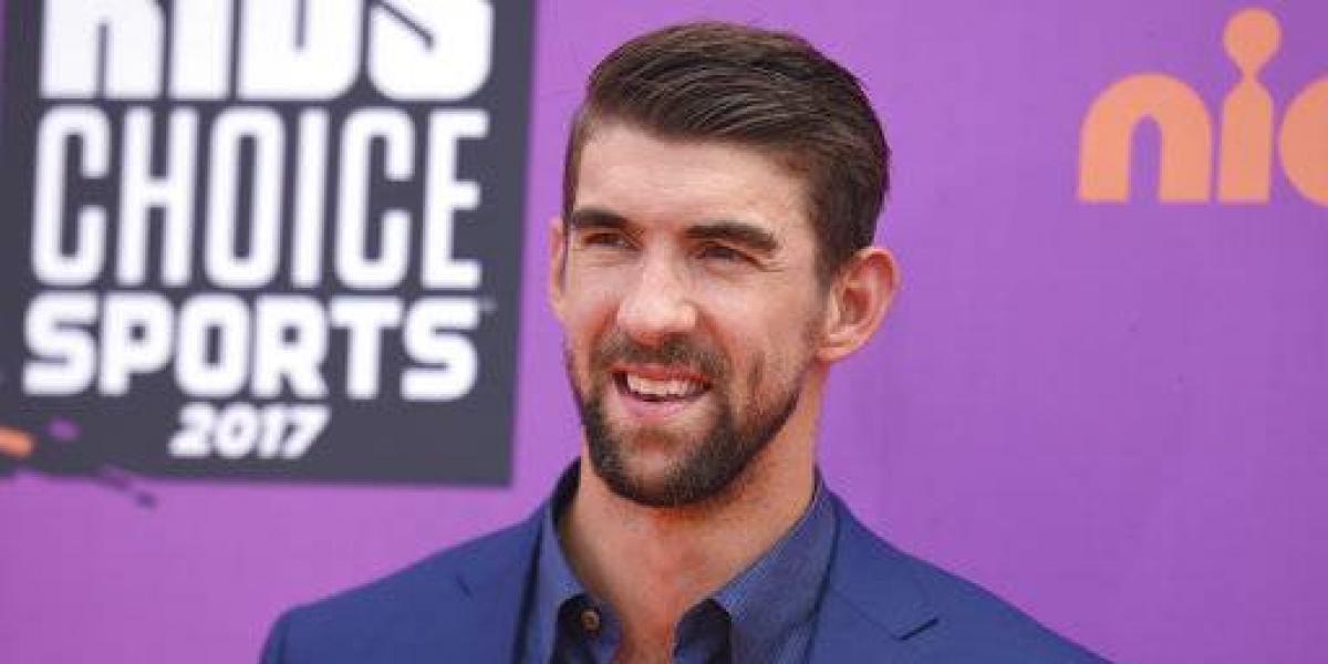 Michael Phelps pierde carrera con un tiburón