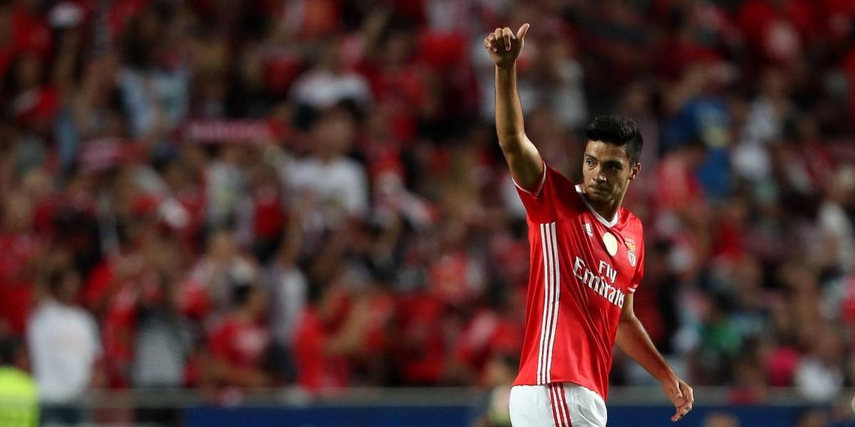 Benfica dispuesto a negociar el pase de Jiménez a la Premier League