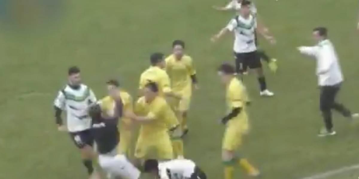 Batalla campal en una liga local del interior — Argentina