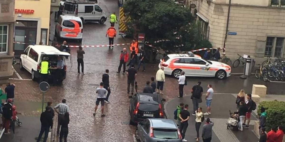 Pánico en Suiza: hombre ataca con motosierra a cinco personas en plena vía pública