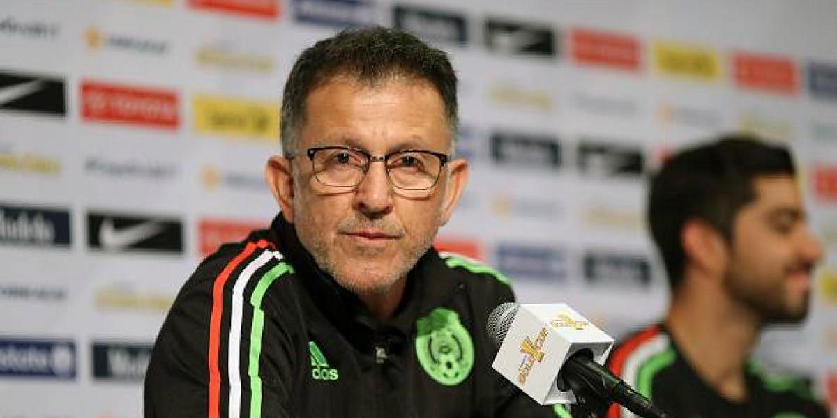 Niños piden la salida de Juan Carlos Osorio