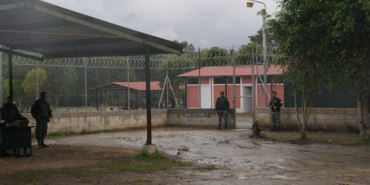 Reo se fuga de la cárcel Mariscal Zavala