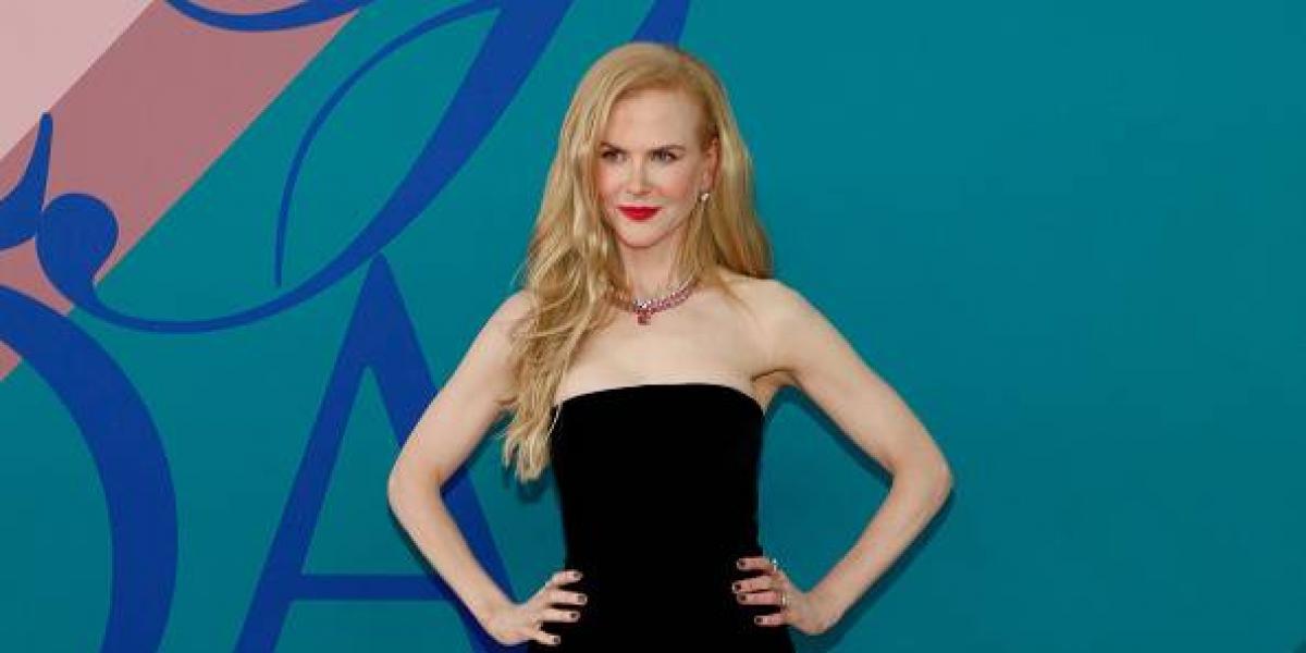 Nicole Kidman posa como una sexy vaquera y la portada que resalta algo más