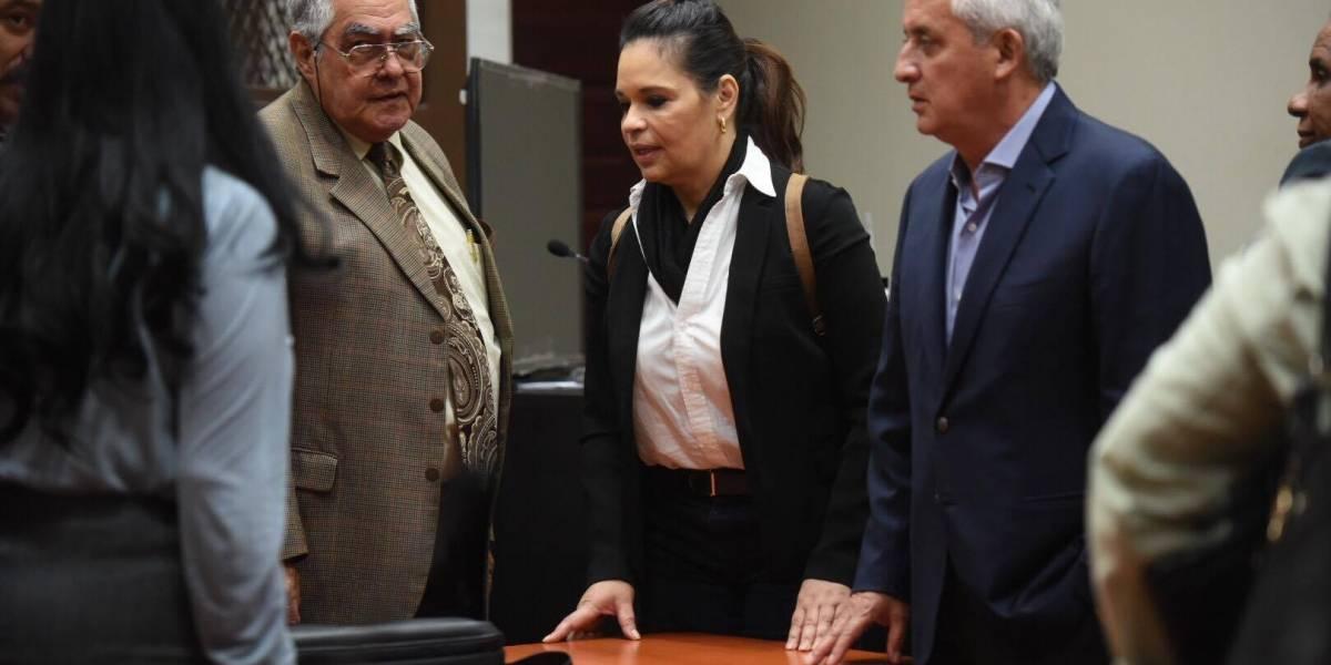 Juez autoriza que salga Roxana Baldetti para retirarle catéter