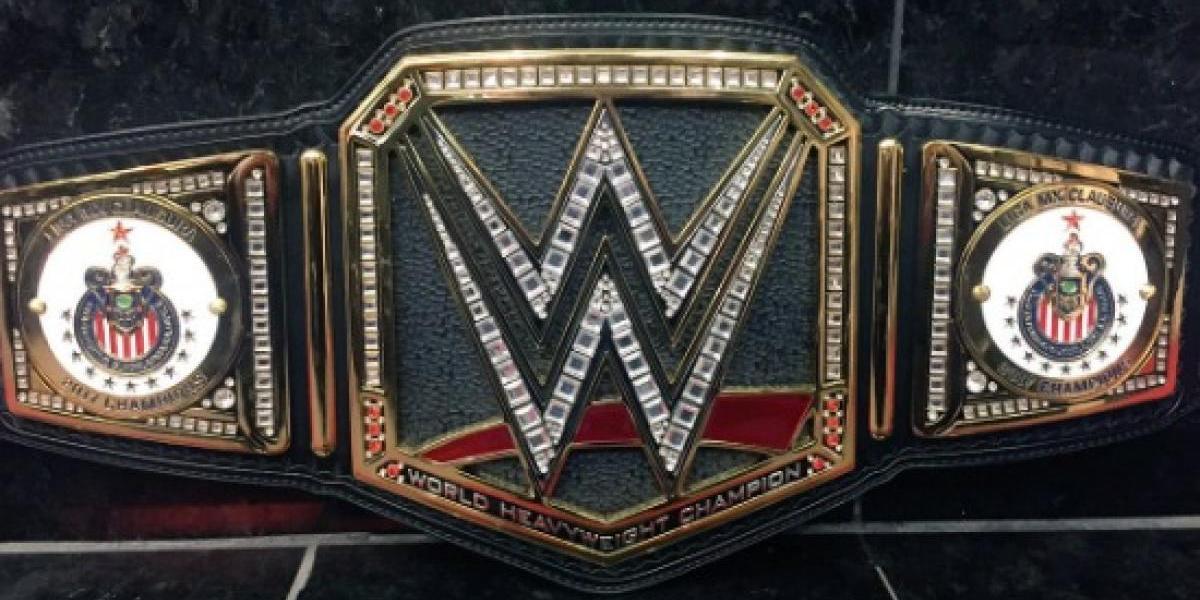 WWE regala cinturón de campeón a Chivas