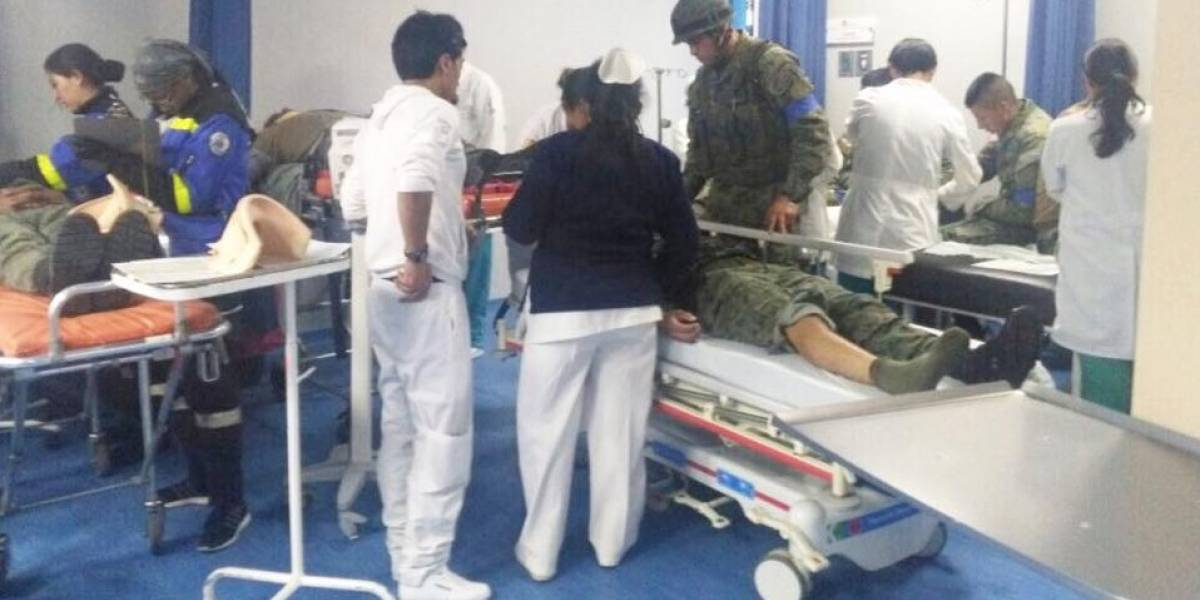 22 heridos tras accidente de camión militar en Ambato