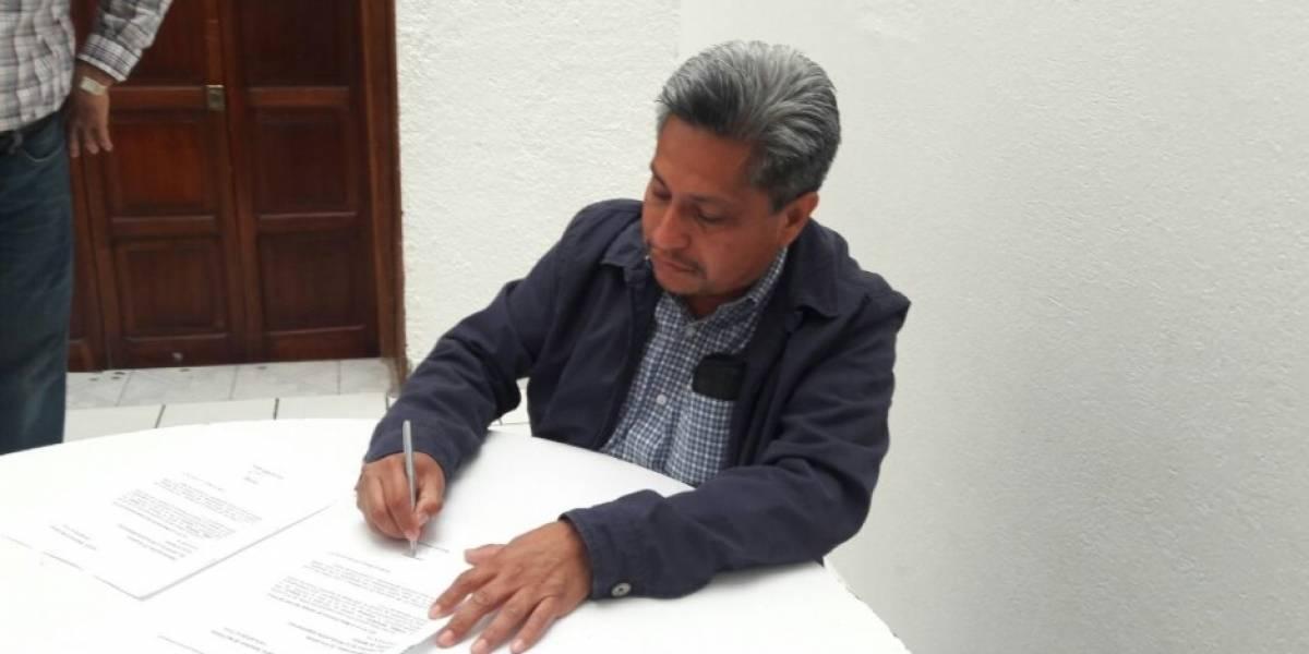 Renuncian 45 mil militantes del PRD para apoyar a Morena