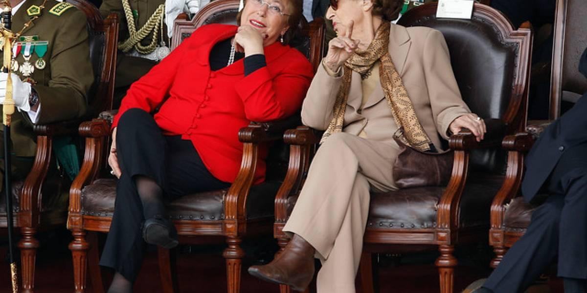 Ángela Jeria ya tiene su candidato: madre de Bachelet firmará por Guillier
