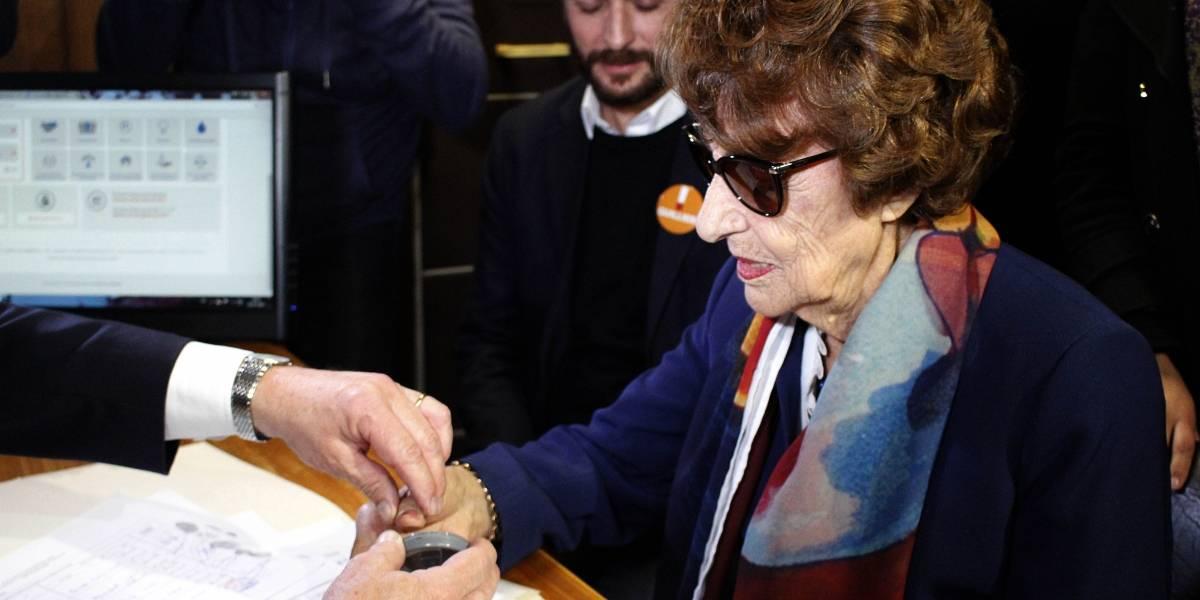 Guillier agradece el apoyo de la madre de la Presidenta Bachelet