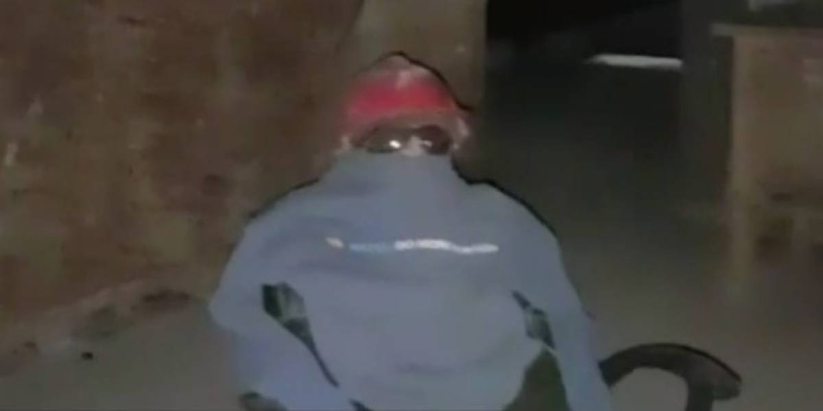 Sólo pasa en Chile: vecinos fueron a encarar a guardia tras ola de robos y descubren que era un muñeco