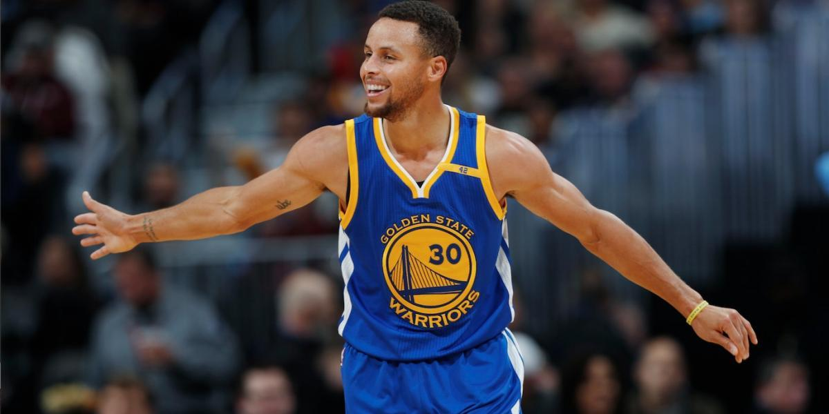 Stephen Curry firma 'jugoso' contrato con los Warriors