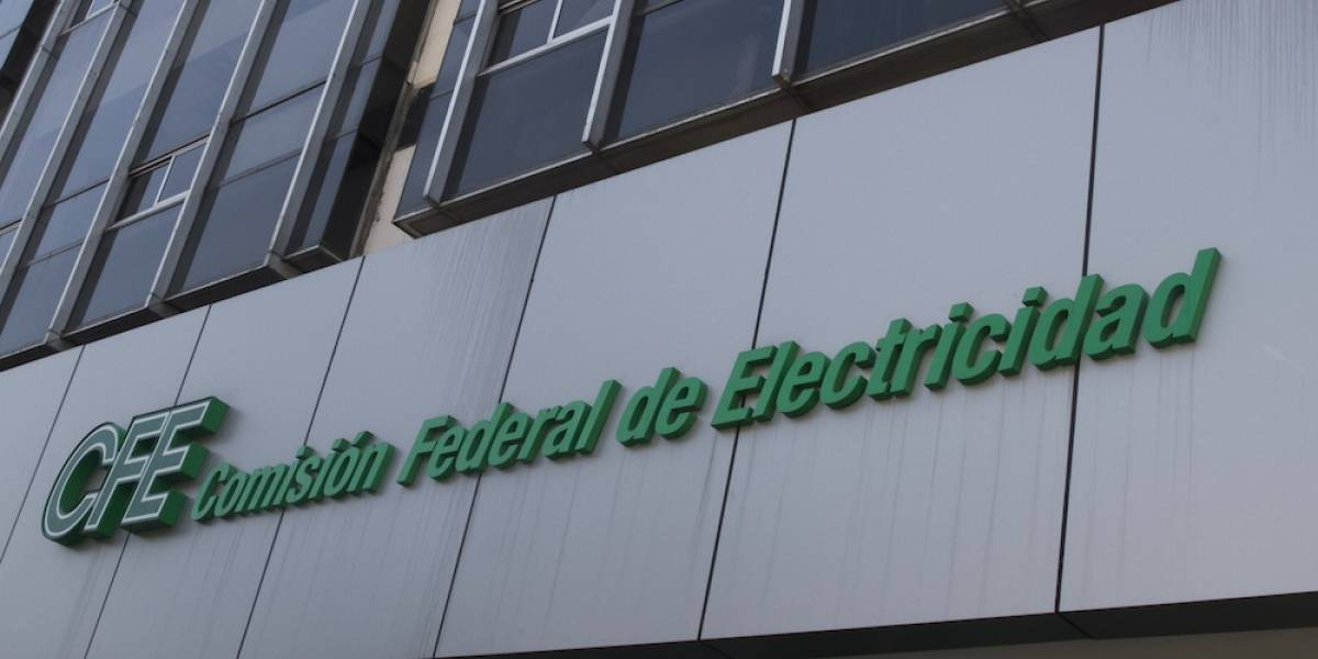 Sancionan con más de 15 mdp a funcionaria de CFE